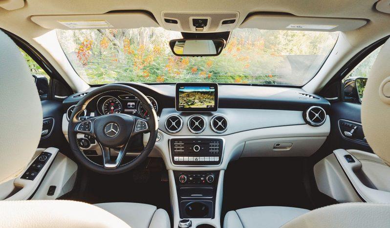 2019 Mercedes GLA full